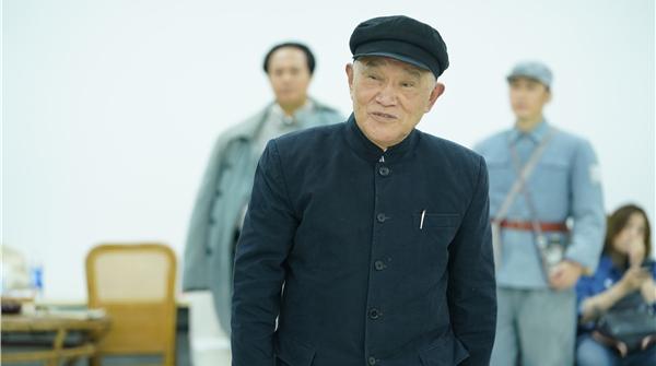 记者手记|《日出东方》中,有一名没有台词的老演员