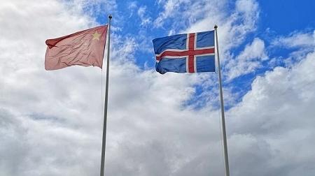 中国冰岛北极科学考察站迎来首批中学生 曹杨中学研学团探索地球最北的自然秘密