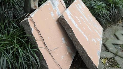 9公斤外墙水泥块突然从5楼脱落 台风天要怎么办?