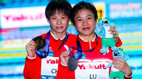 上海小将陈芋汐摘得世锦赛跳水女子十米台桂冠