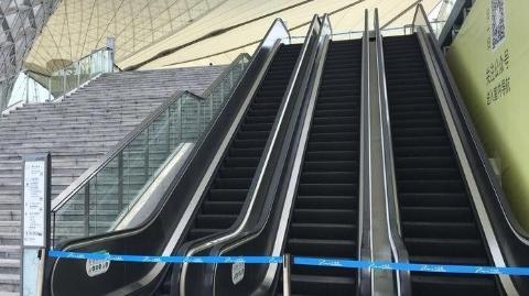 现场目击丨自动扶梯停运半年多,只因怕出故障?