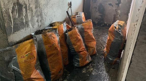 新闻追踪|珠江香樟北园电瓶车违规充电乱象依旧