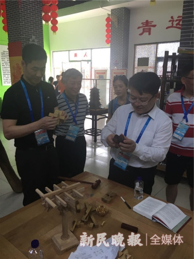 上海市副市长陈群到青运村慰问