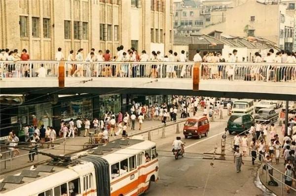 那些年我们走过的上海的天桥