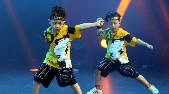 """流行舞百强晋级赛打响,上海市民舞蹈大赛刮起""""青春旋风"""""""