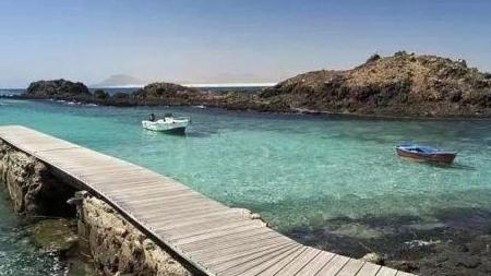 西班牙这个小岛限客了,每天只允许200名游客登岛