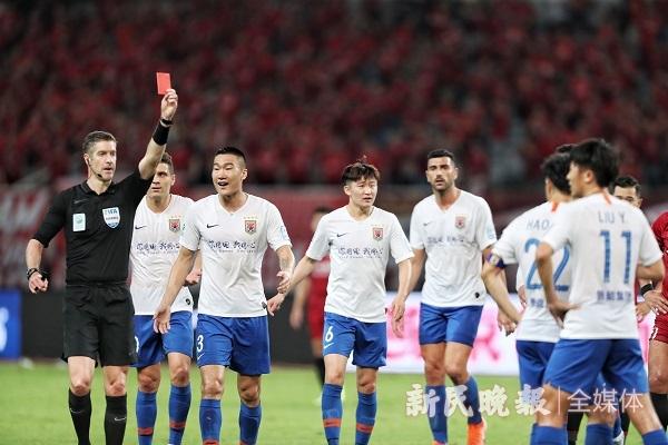 上港不敌鲁能无缘足协杯决赛 战术单一心态着急如何赢球?