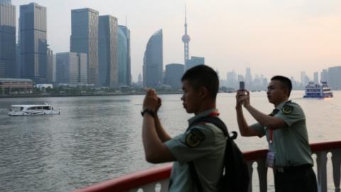 守护上海5年才首次一览上海容颜 武警上海总队驻守皖南山区官兵游览申城