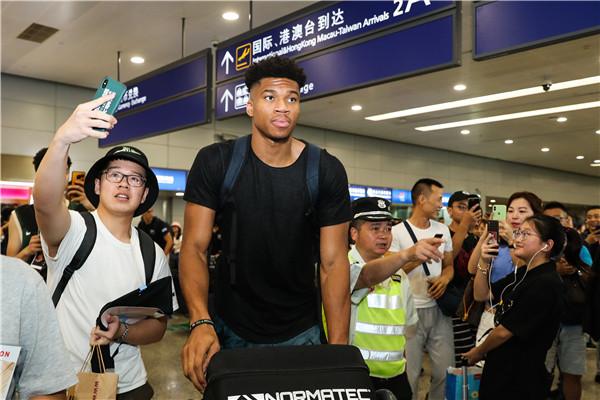 各队忙热身球迷饱眼福 超级球星男篮世界杯前纷纷来华献艺