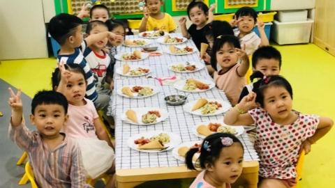 缤纷嬉水节、Yummy 冰棍节...... 领幼托育园让暑期的孩子们吃得健康玩得高兴