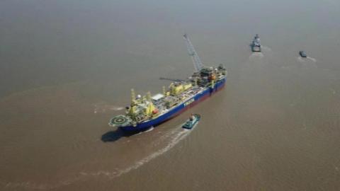 """沪苏海工联动,印尼停航油轮换上""""中国芯""""出境服役"""