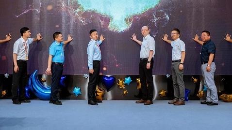 沪桂携手 两年内为广西百色培训600名乡村教师