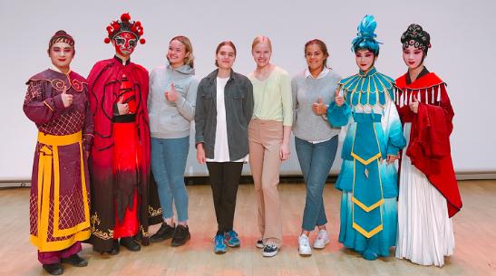 中国戏曲的朋友圈又大了——上海淮剧团《神话中国》北欧走红背后