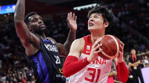 """中国男篮会引进""""艾克森""""吗?"""