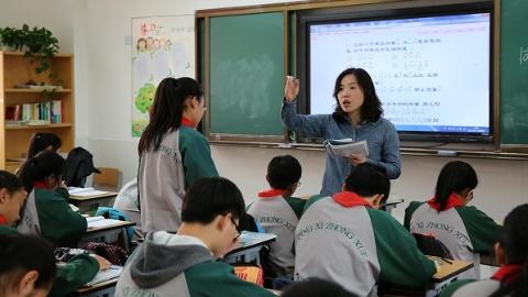 杏坛筑梦人|全国模范教师包蓓姹:教书不能只教分数
