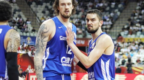 """中国男篮应该向捷克男篮学一学,如何撕下""""弱队""""标签!"""