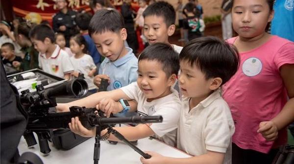 """昨晚这个""""博物馆之夜"""",展现的是上海公安的风采"""