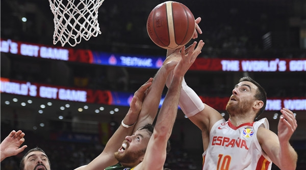 后来居上淘汰澳大利亚,西班牙队率先杀入世界杯决赛!