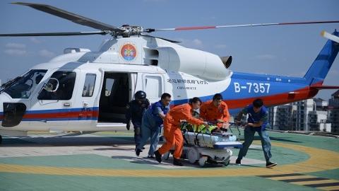 """""""水陆空""""立体救援模式经受检验 瑞金医院举行大型应急医疗救援综合演练"""