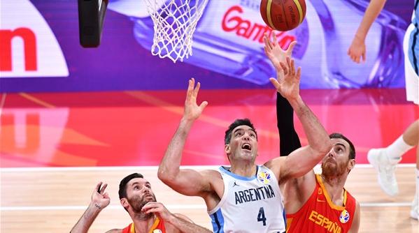 上海旧将斯科拉入选男篮世界杯最佳阵容
