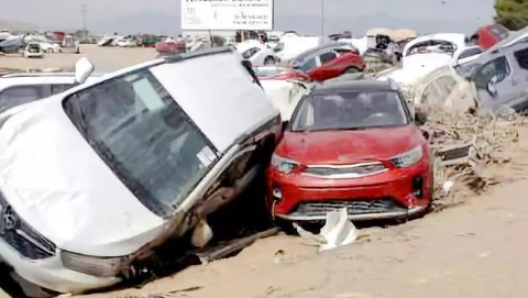 西班牙遭遇百年最强暴风雨,30万公顷果园受灾严重