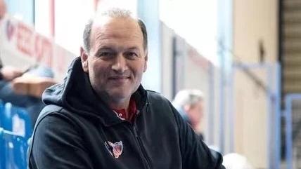 上海男篮引进希腊助理教练,着力打造防守体系