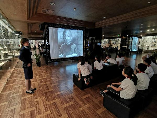 第三届全国中小学生电影周在沪闭幕 百万中小学生票选出《烈火英雄》《流浪地球》等最爱影片