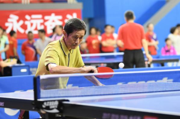 名宿张德英举办公益赛事:盼更多人感受乒乓快乐