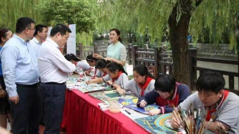 长宁区新泾镇举办庆祝新中国成立70周年系列活动