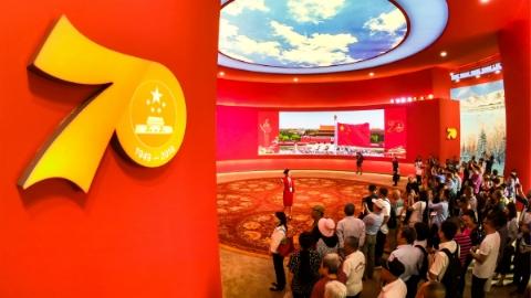 """G60科创走廊如何""""搬""""进展馆?来看新中国70年成就展中的上海元素"""