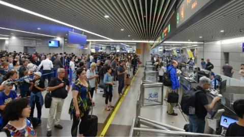 浦东国际机场口岸去年出入境人员数超3900万人次 连续17年位居全国空港口岸首位