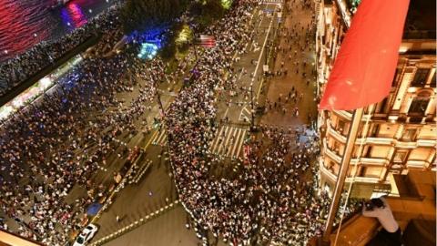 【新时代新作为新篇章】上海公众安全感满意度测评指数连续七年创历史新高 安全成为选择上海的理由