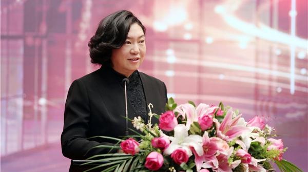 最美青春在《扶贫路上》绽放,田沁鑫为扶贫干部打造民族歌舞剧新作