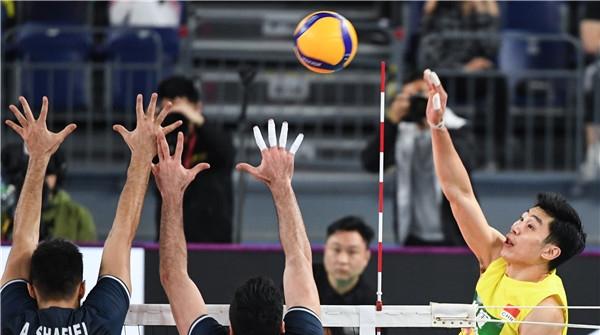 奥预赛小组收官战中国男排不敌伊朗 半决赛将对阵卡塔尔