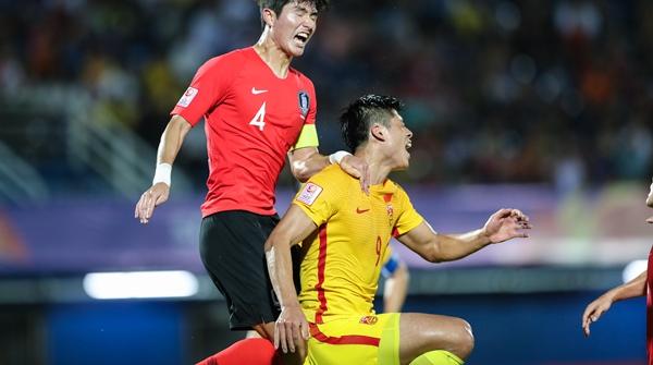 当家前锋张玉宁昨晚重伤退场,之后谁来为国奥队进球呢?