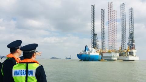 数字里的洋山港:去年洋山港集装箱吞吐量达1980.8万标箱 同比增长7.59%