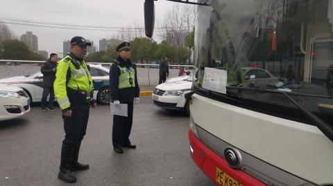 普陀警方依托智慧公安 开展非现场长途客运车交通违法整治
