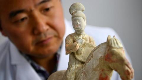 民进提案呼吁加快本市文物修复人才队伍建设