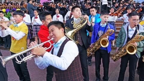 上海十年间成立五大学生艺术团 邀462所学校和校外机构共享艺术大餐