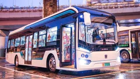 全上海年味最浓的公交车,也许就是这辆49路