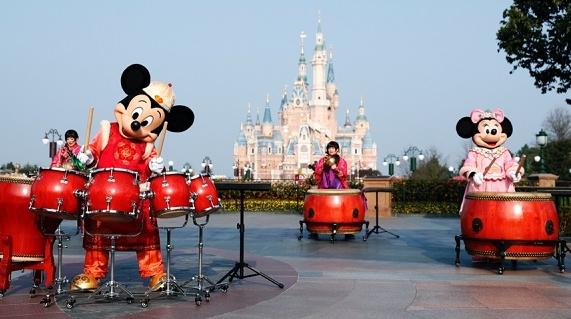 上海迪士尼发布最新票务临时调整措施 游客可申请延期或退款