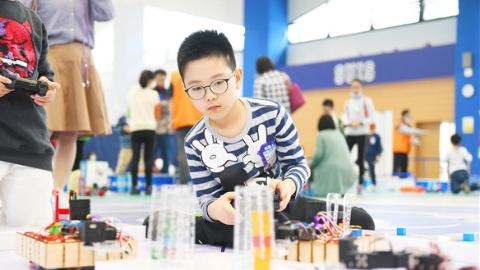他们可能是全上海最懂AI的青少年,都在这场大赛集中了!