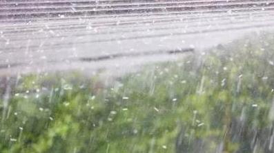 希腊突遭雷暴、大风、冰雹,说好的秋高气爽呢