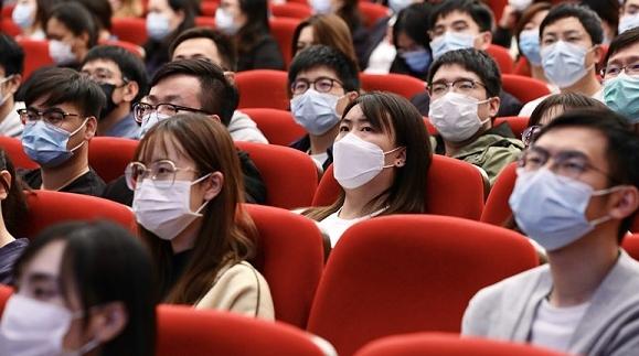当好上海的守护者,为了两千多万人民的安康!上海第三场抗击新冠疫情先进事迹报告会举行