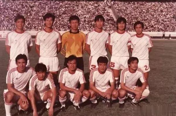 新中国男足参加的第一次奥运会是第二十四届1988年汉城奥运会_副本.jpg