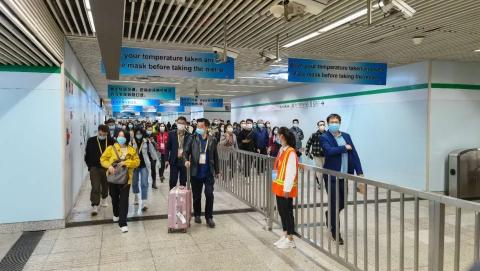 进博会开展首日客流平稳,地铁出站进馆无感测温,还能监测不戴口罩人员
