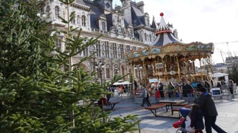 过半法国人放弃与家人过圣诞 节日开支缩减近三成