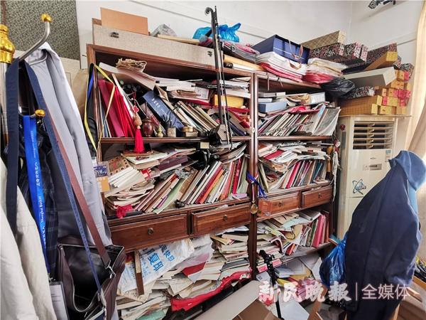 郑树林工作室的古籍资料(吴旭颖摄)_副本_副本.jpg