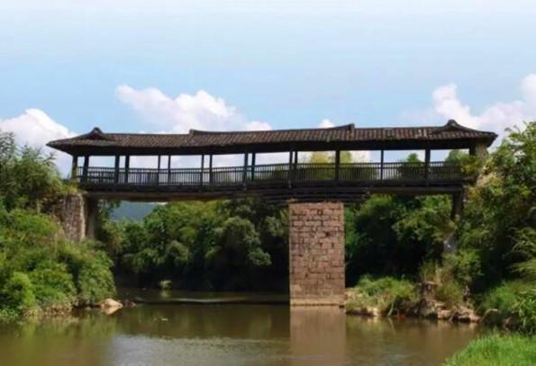 龙岩古桥静矗山水之间.jpg