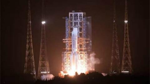 嫦娥五号探测器发射成功 开启我国首次地外天体采样返回之旅